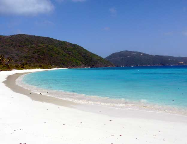 yacht-charter-around-the-caribbean-beach